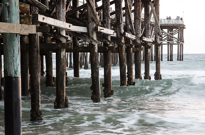 Lifeguard units respond to female Crystal Pier jumper on north side.